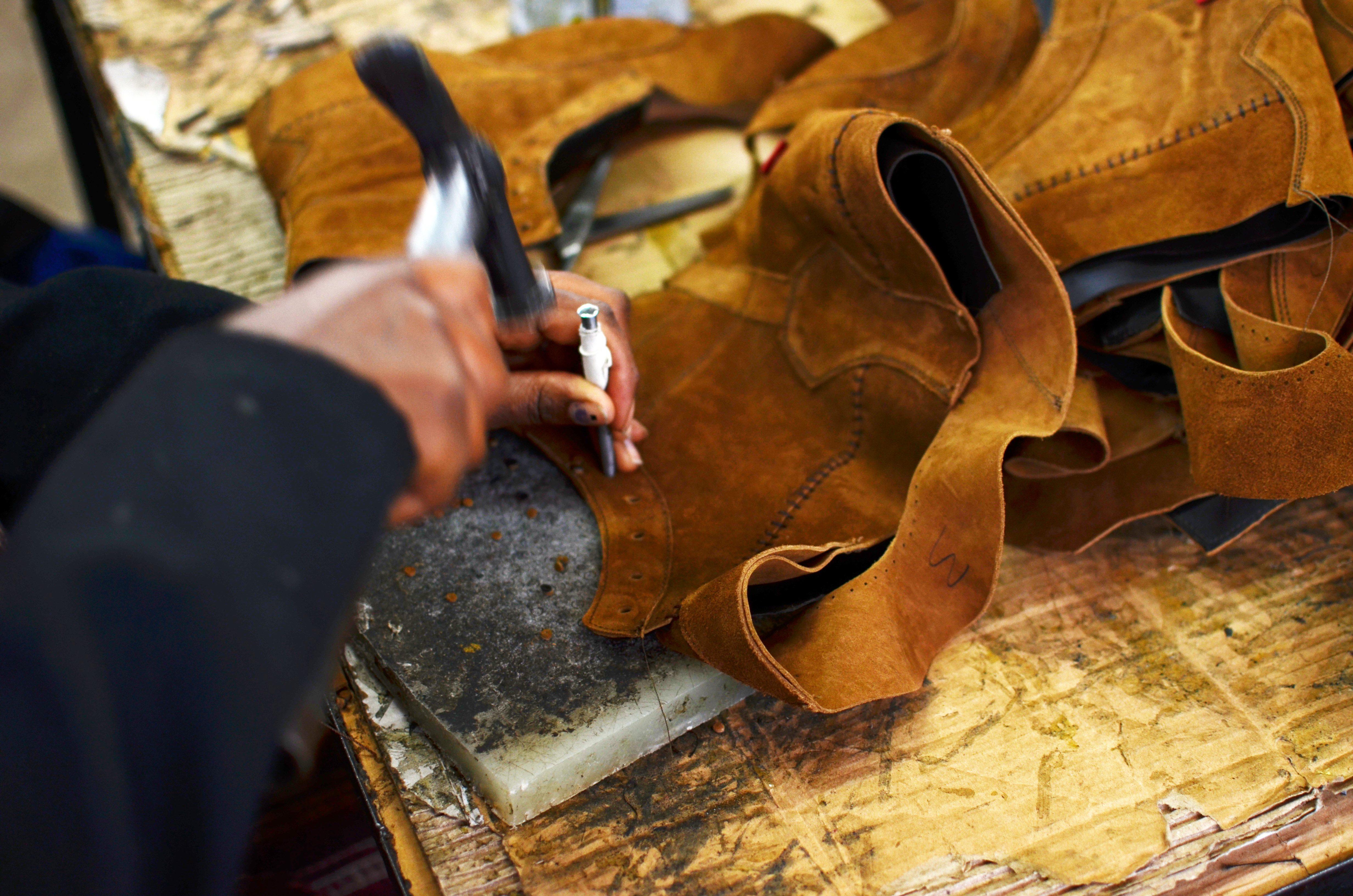 Bag Me One! 5 Leather Companies We Love – CraftAfrika f139156d1fb5